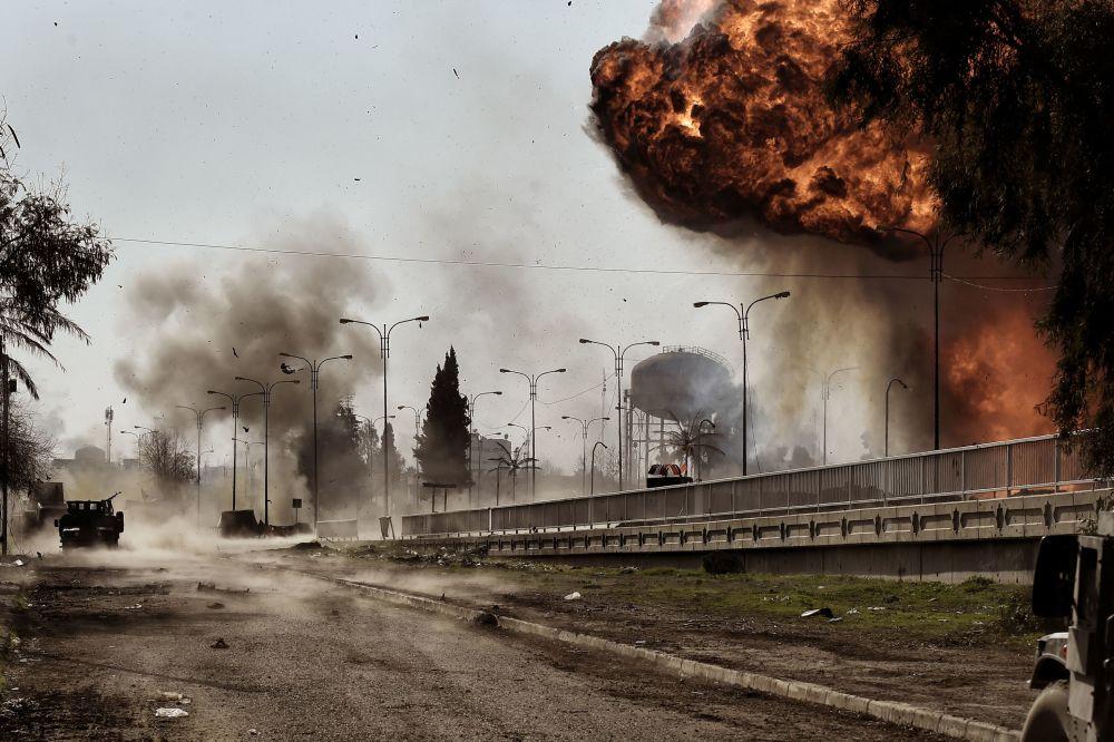 La explosión de un coche bomba en Mosul