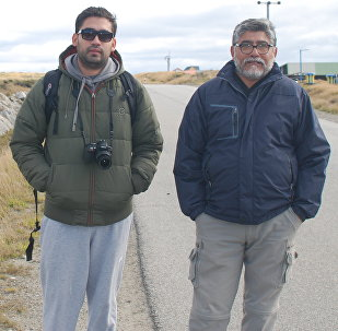 El excombatiente de Malvinas Armando González y su hijo Martín
