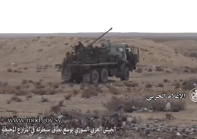 Vídeo: el Kamaz ruso se transforma en un cañón antiaéreo en Siria