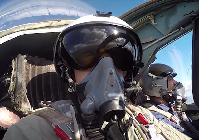 Los pilotos de un Su-24