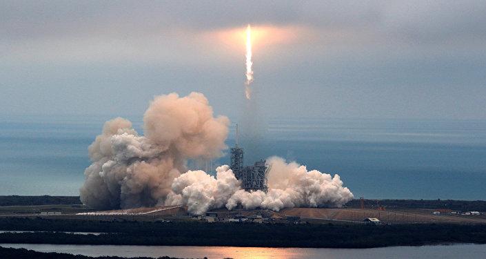 Lanzamiento del cohete Falcon 9 (archivo)