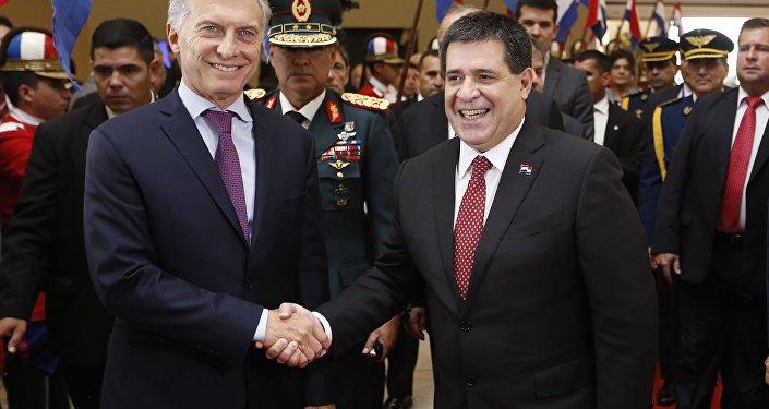 Mauricio Macri, presidente de Argentina, y Horacio Cartes, presidente Paraguay
