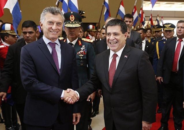 Mauricio Macri, presidente de Argentina, y Horacio Cartes, presidente Paraguay (archivo)