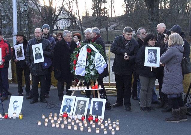 Protestas contra la marcha de los veteranos de la organización nazi Waffen-SS en Riga