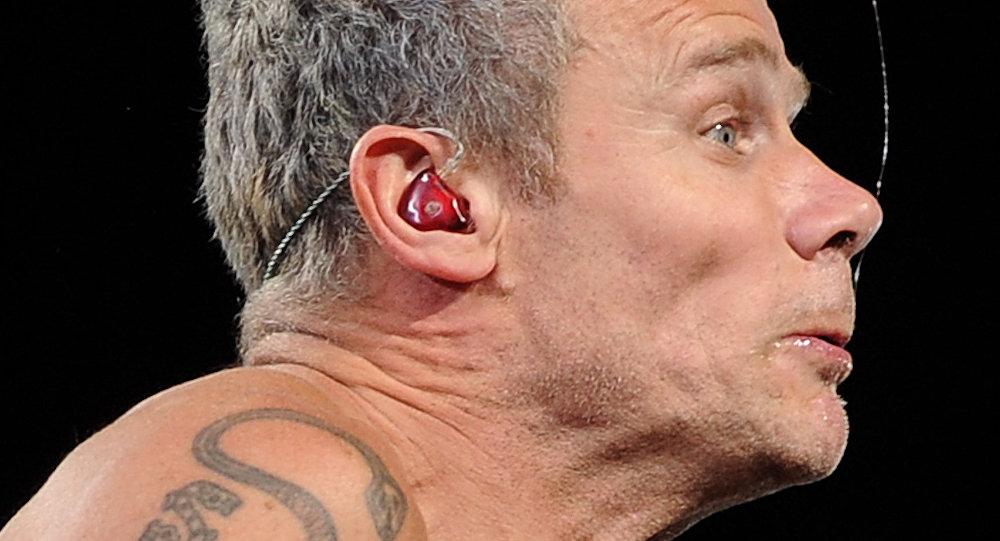 La saliva de un músico de rock