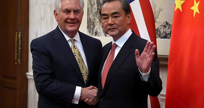 Rex Tillerson, secretario de Estado estadounidense, y Wang Yi, ministro de Exteriores de China