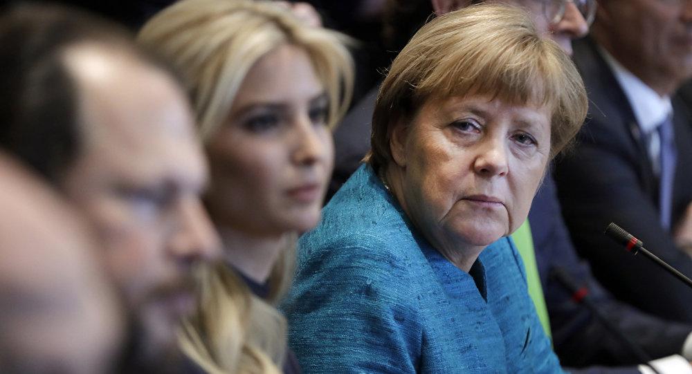 Ivanka Trump y Angela Merkel