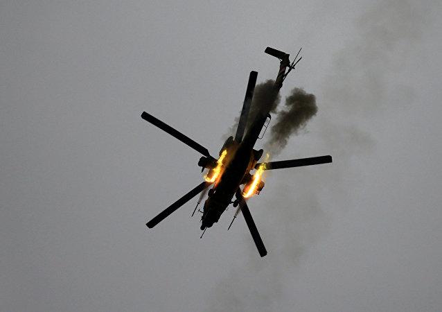 Helicóptero iraquí ataca las posiciomes de Daesh