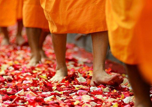 Monjes budistas (archivo)