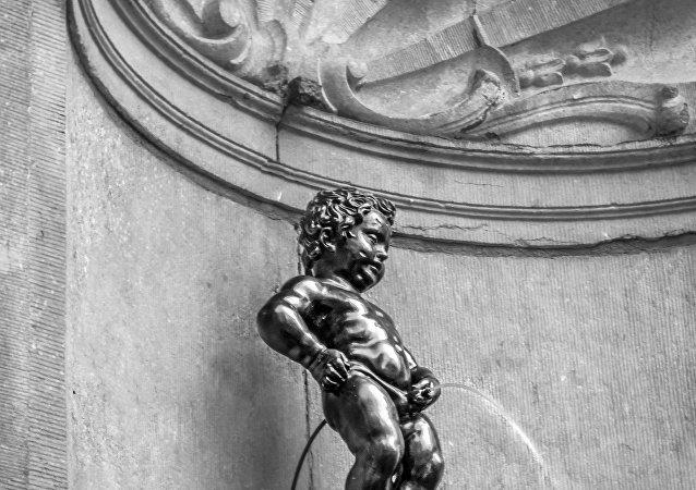Estatuilla Mannekin Pis, símbolo de Bruselas