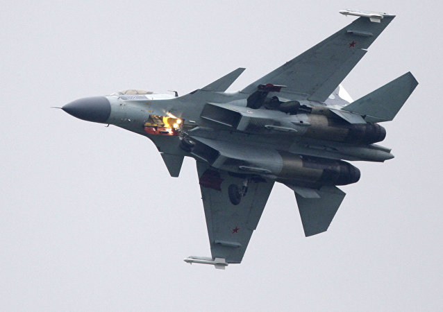 Caza Su-35