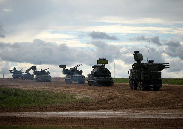 La maquinaria militar en el polígono Alabino, Rusia