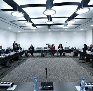 Quinta ronda de negociaciones intersirias en Ginebra