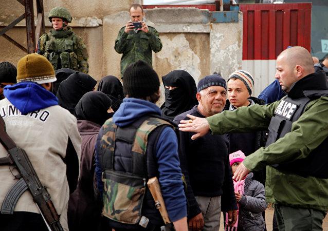 La evacuación del barrio Al Waer de la ciudad siria de Homs (archivo)
