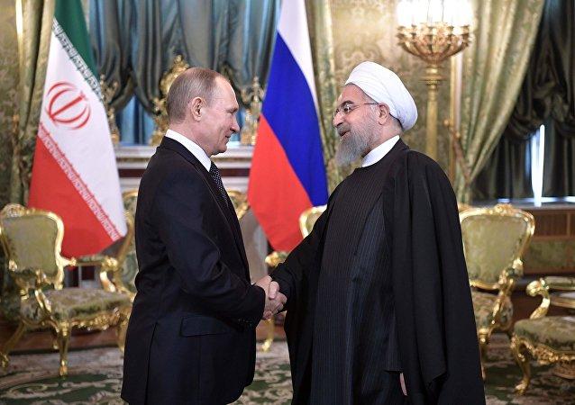 Presidente de Rusia, Vladímir Putin, y presidente de Irán, Hasán Rohaní (archivo)