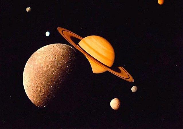 Satélites de Saturno (ilustración)