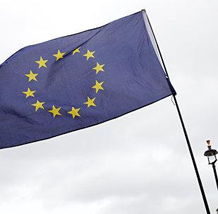 Bandera de la UE en frente de la torre Big Ben
