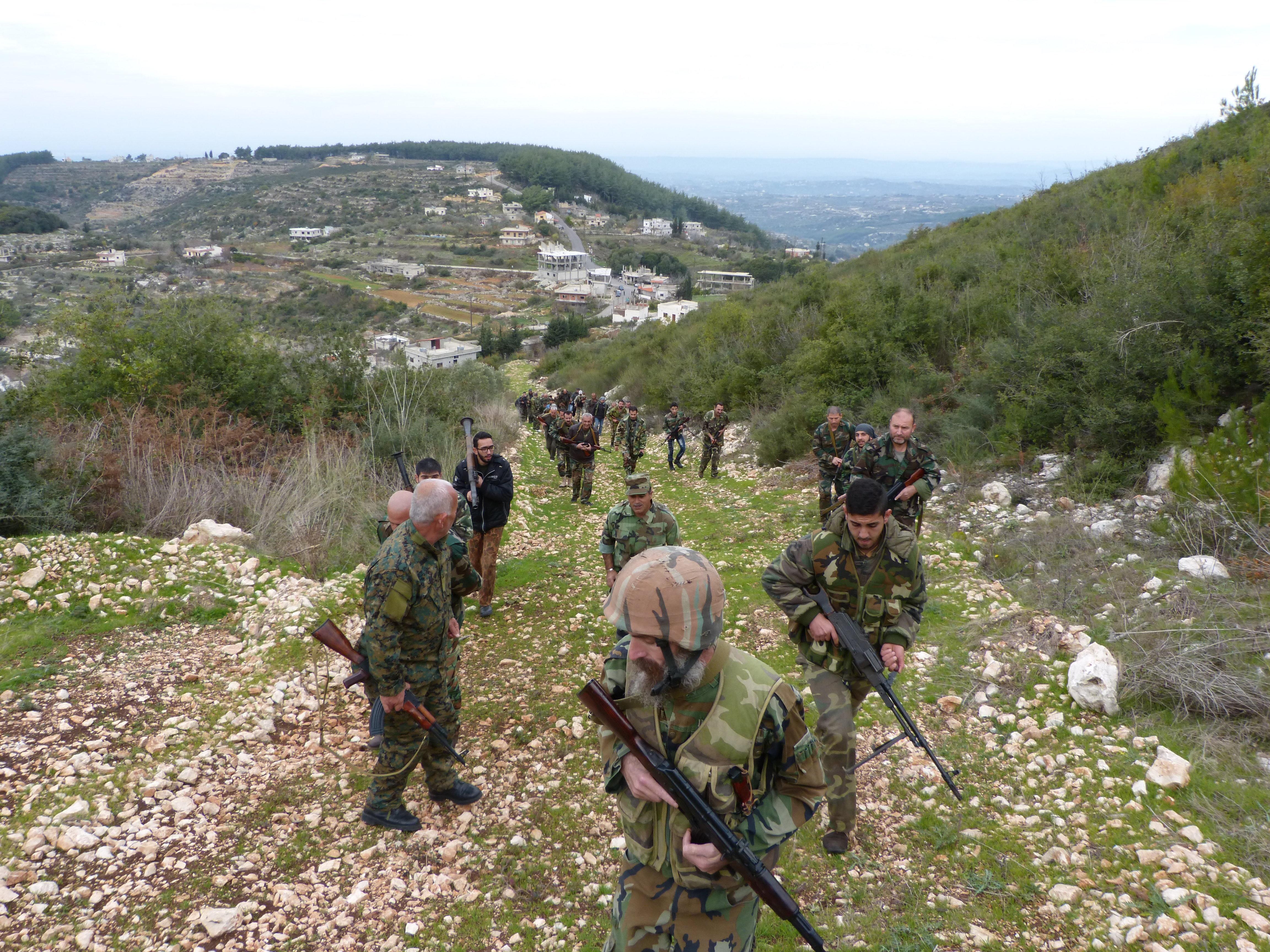 Ejercicios de voluntarios en Siria