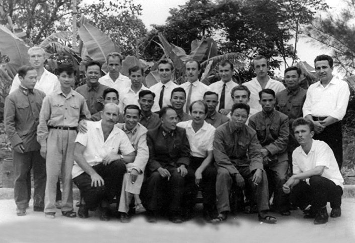Un grupo de expertos militares soviéticos que participaron en la Guerra de Vietnam