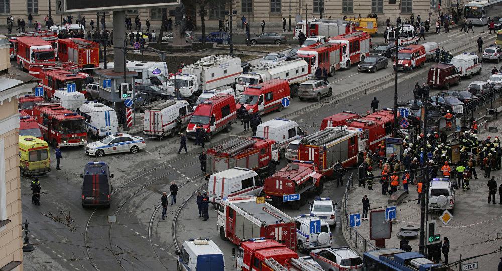 Servicios de emergencia en Sennaya Ploshchad, San Petersburgo (archivo)
