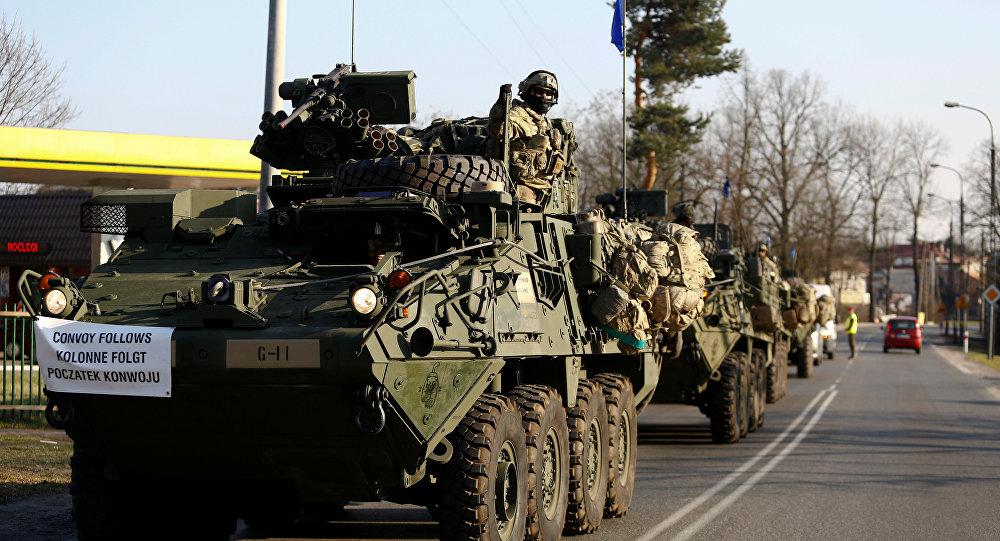 Un convoy de tropas estadounidenses