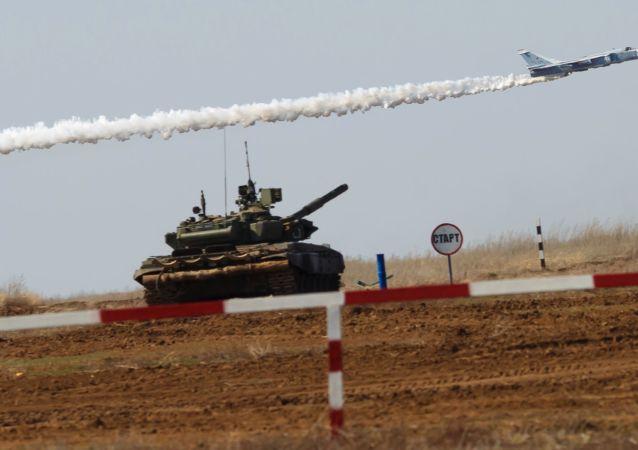 Imágenes de la increíble competencia militar Biatlón de Tanques