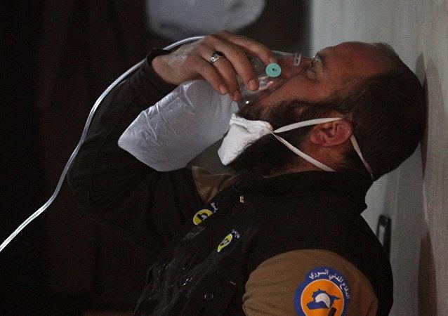 Persona afectada por el supuesto ataque químico en Jan Sheijun, Siria (archivo)