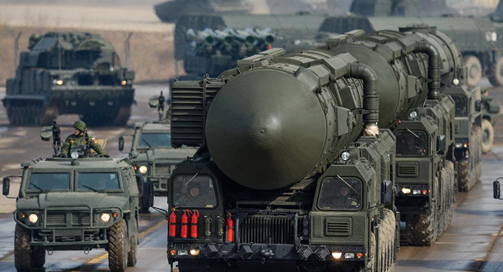 Equipos de lanzamiento de misiles balísticos intercontinentales Tópol-M