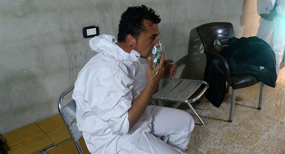 Persona afectada por el presunto ataque químico en Jan Sheijun, Siria (archivo)