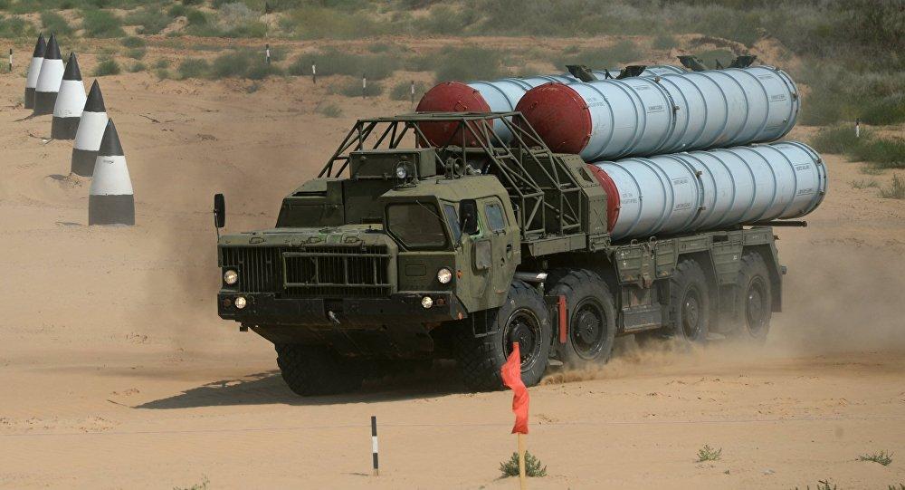 Sistema de misiles antiaéreos S-300 (imagen referencial)