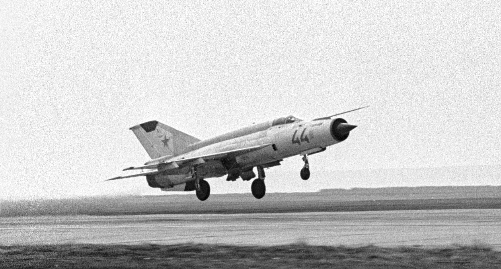 Un caza polivalente soviético MiG-21 (archivo)
