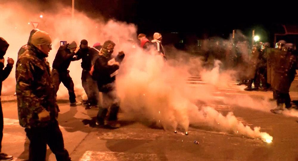 Violentos enfrentamientos en el oeste de Francia