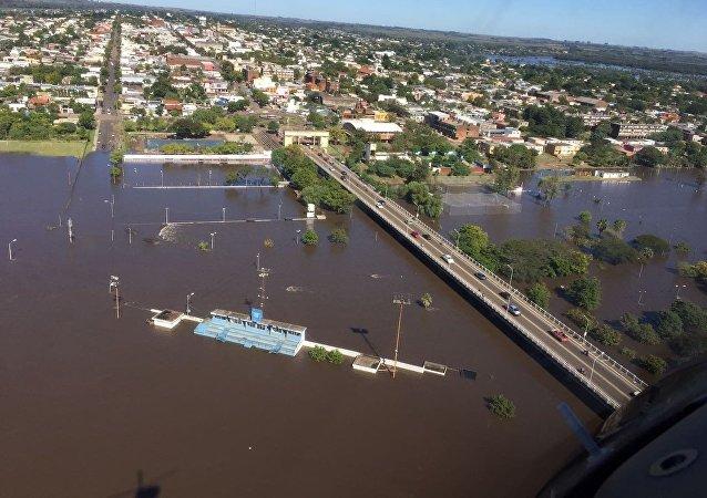 Edificios enteros se quedaron sumergidos en las inundaciones al norte de Uruguay (archivo)