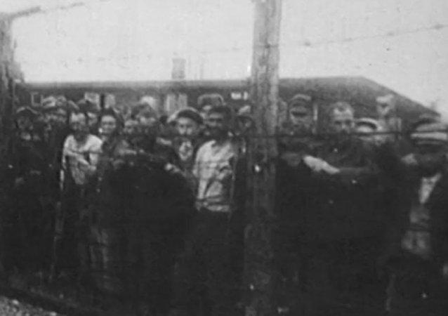 Sputnik recuerda a las víctimas del holocausto en el día de su liberación