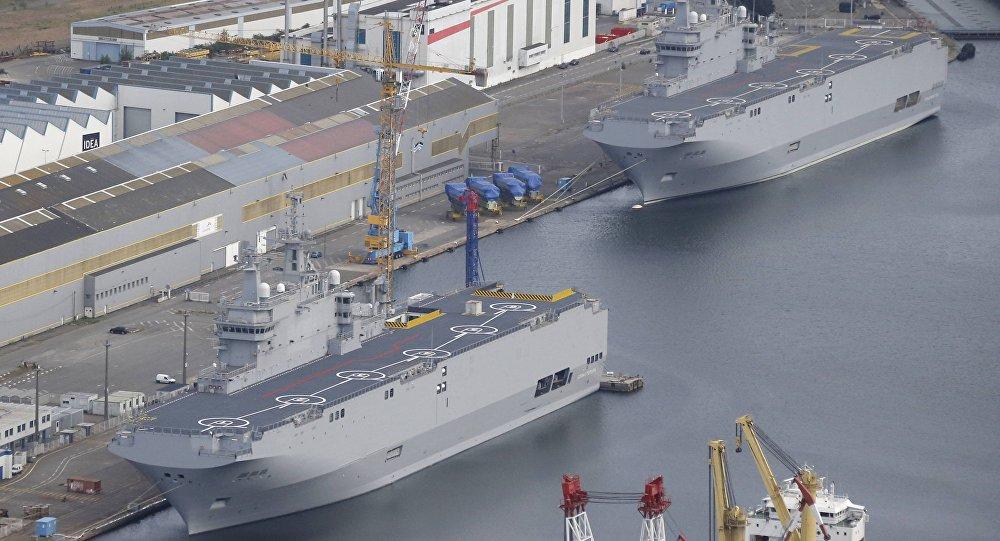 Portahelicópteros de la clase Mistral en el astillero de Saint-Nazaire, Francia