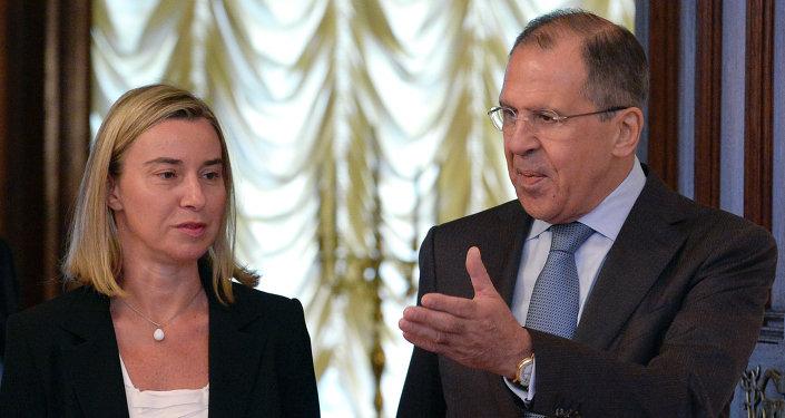 Sergei Lavrov, canciller ruso y Federica Mogherini jefa de la diplomacia europea (archivo)