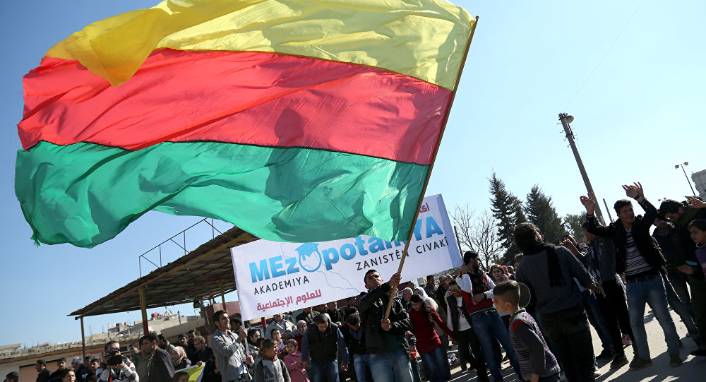 Bandera del partido kurdo sirio Unión Democrática (PYD)