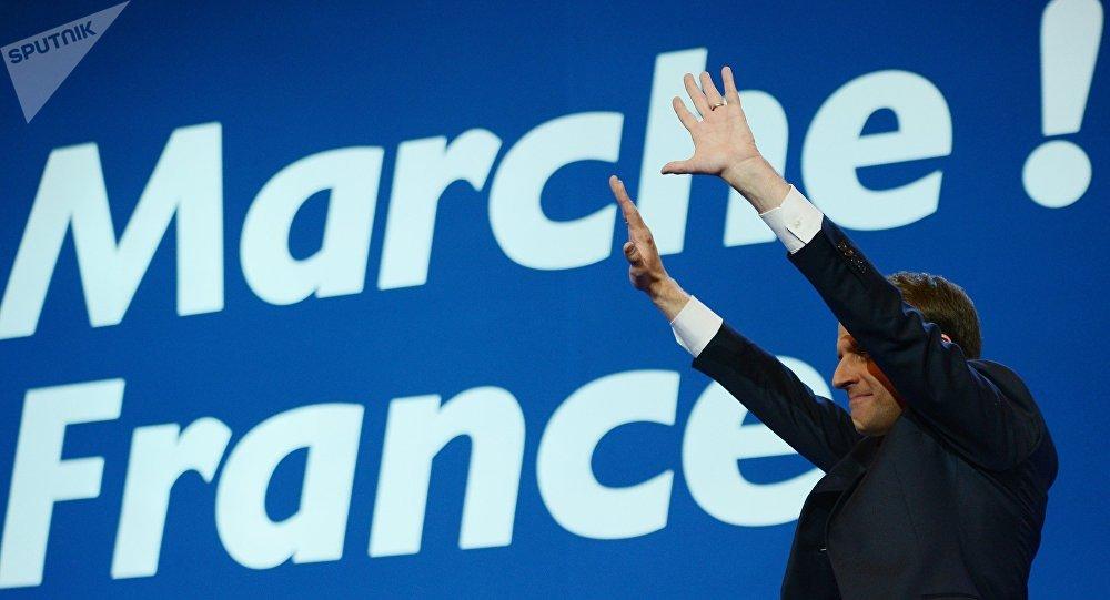 Emmanuel Macron, al ganar la primera ronda de las elecciones