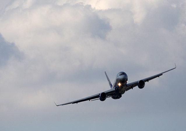 Tu-214 (archivo)
