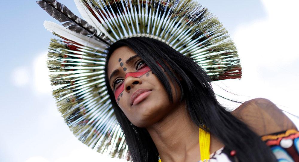 Mujer indígena (Brasil)