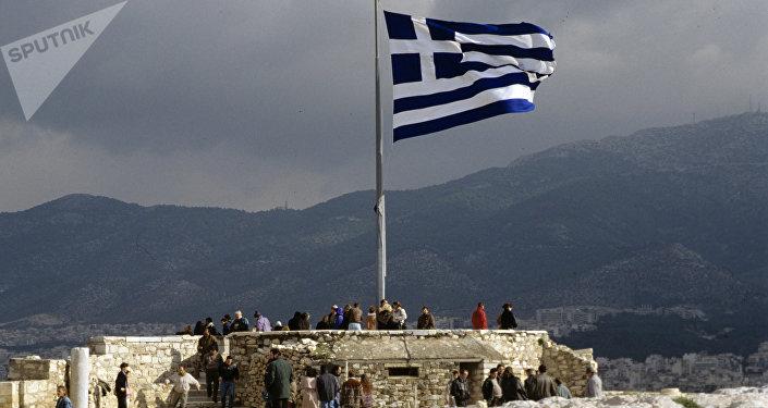 La bandera griega en la Acrópolis (archivo)