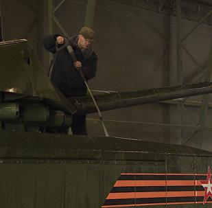 Así se preparan los tanques rusos para el Día de la Victoria