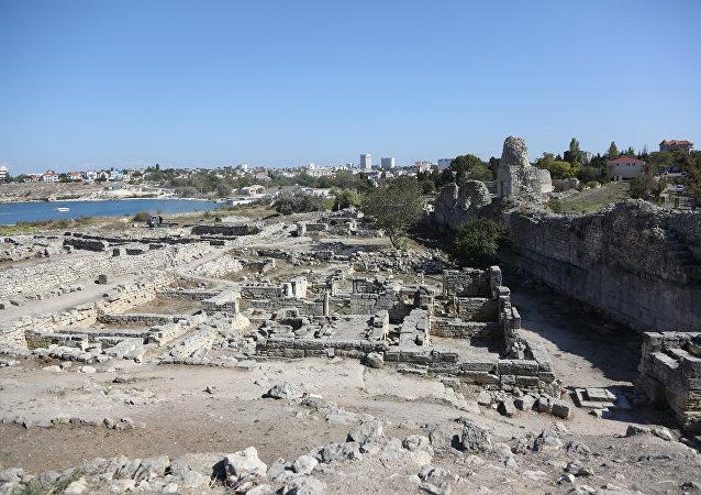 Ruinas de una antigua ciudad en Crimea