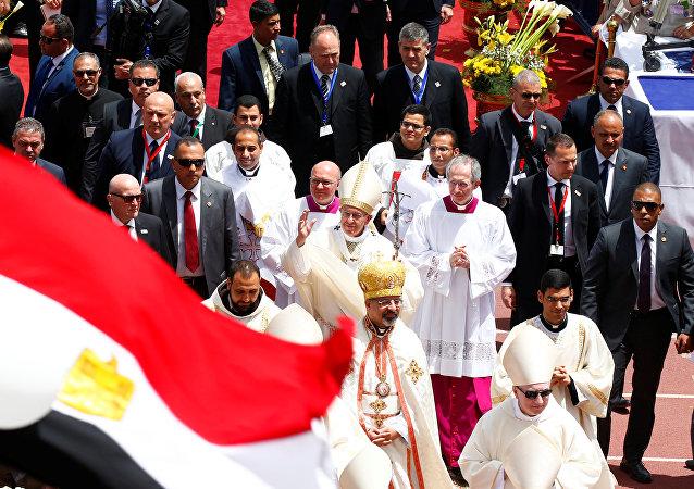 El papa Francisco en la misa en El Cairo