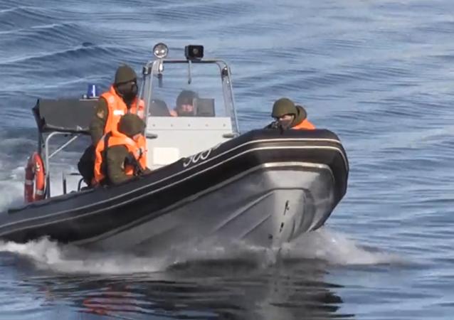 Vídeo: así se repelen los ataques de los saboteadores en una base submarina rusa