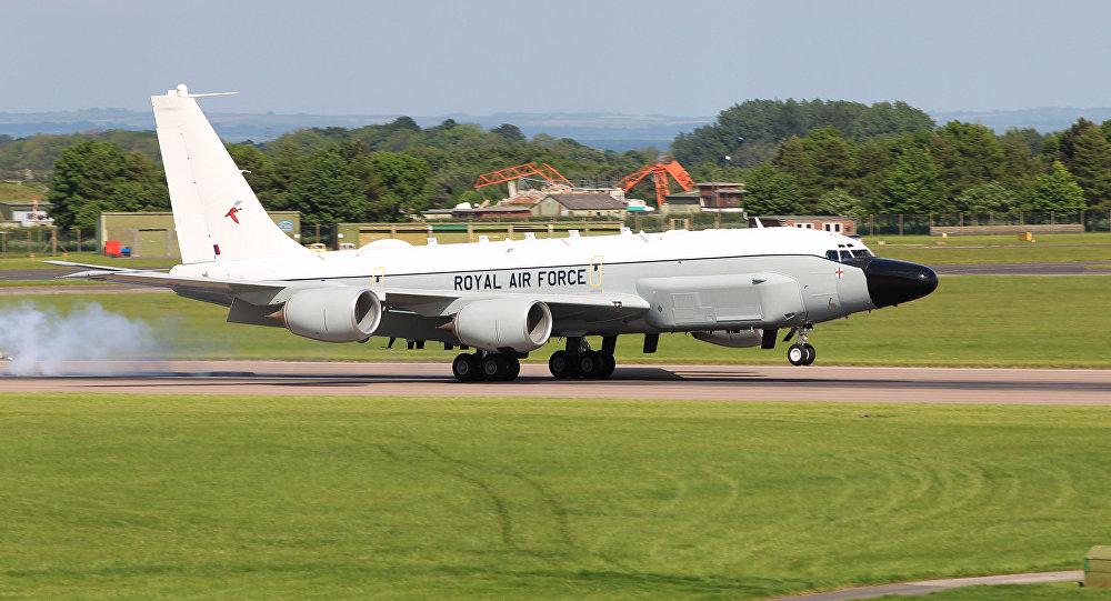 RC-135W británico