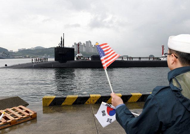 El submarino atómico estadounidense Michigan en el puerto de Busan, Corea del Sur (archivo)