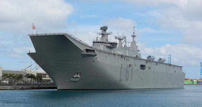 El buque de asalto anfibio y portaviones español Juan Carlos I, posible proyecto de base para un similar buque de Turquía