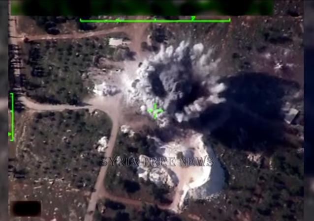 La aviación siria hace añicos las posiciones de los terroristas
