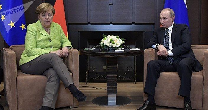 Angela Merkel, canciller de Alemania, y Vladímir Putin, presidente de Rusia